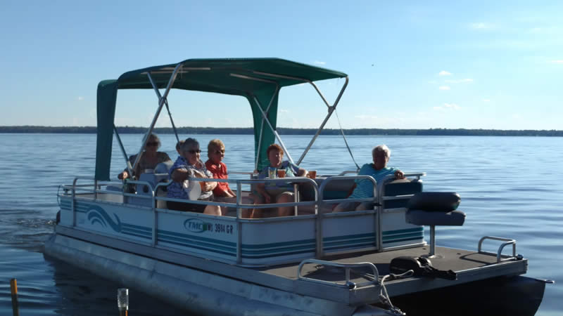 Ike Walton Lodge pontoon boat ride
